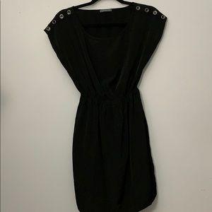 Simple black dress 🖤